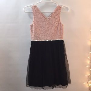 Girls 10 Pink Black Jeweled Lace Tulle Zip Dress